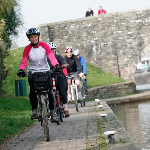 Cyclists along the Brecon Canal